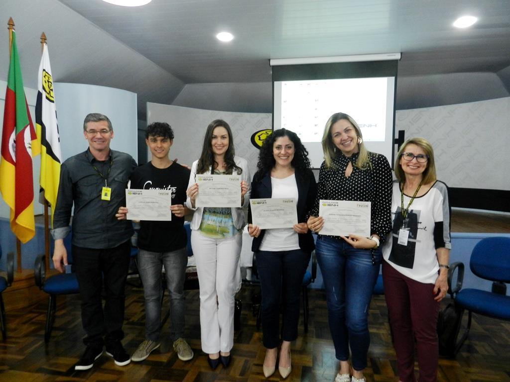 Acadêmicos apresentam projetos no Fórum Social da Faculdade IENH