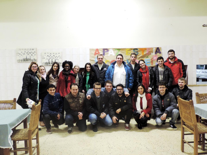 Acadêmicos aprofundam estudos sobre responsabilidade social com visita ao Lar da Menina