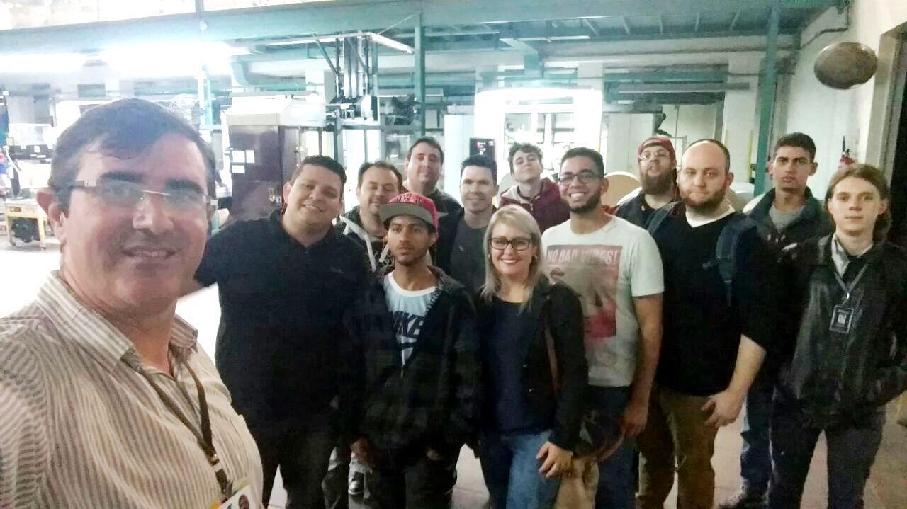 Acadêmicos da Faculdade realizam visita técnica ao Grupo Sinos
