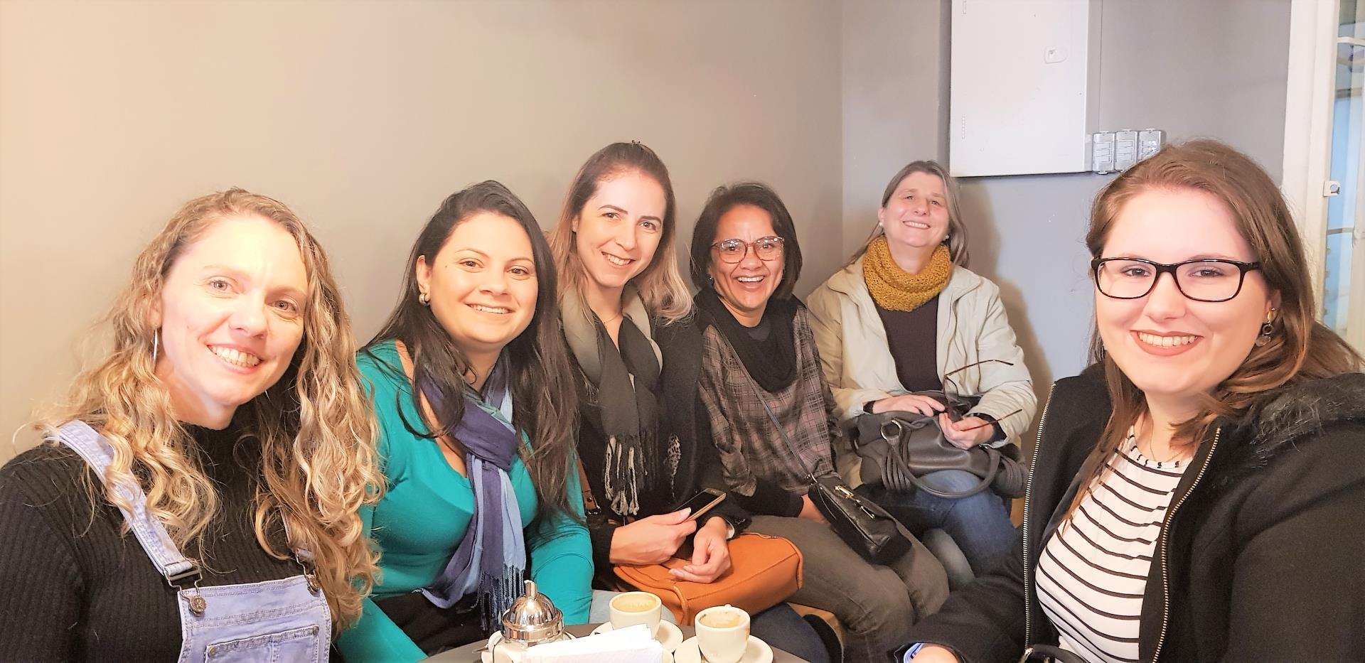 Acadêmicos de Administração visitam estabelecimentos de Porto Alegre para uma experiência de varejo