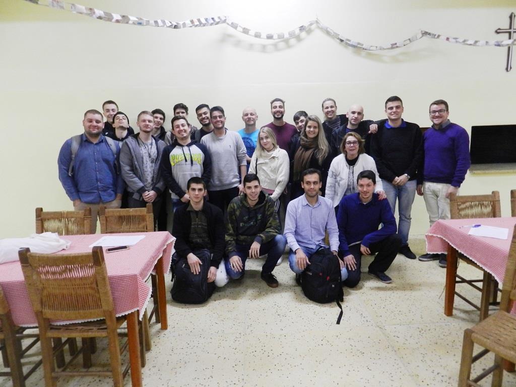 Acadêmicos visitam a Casa João Bosco