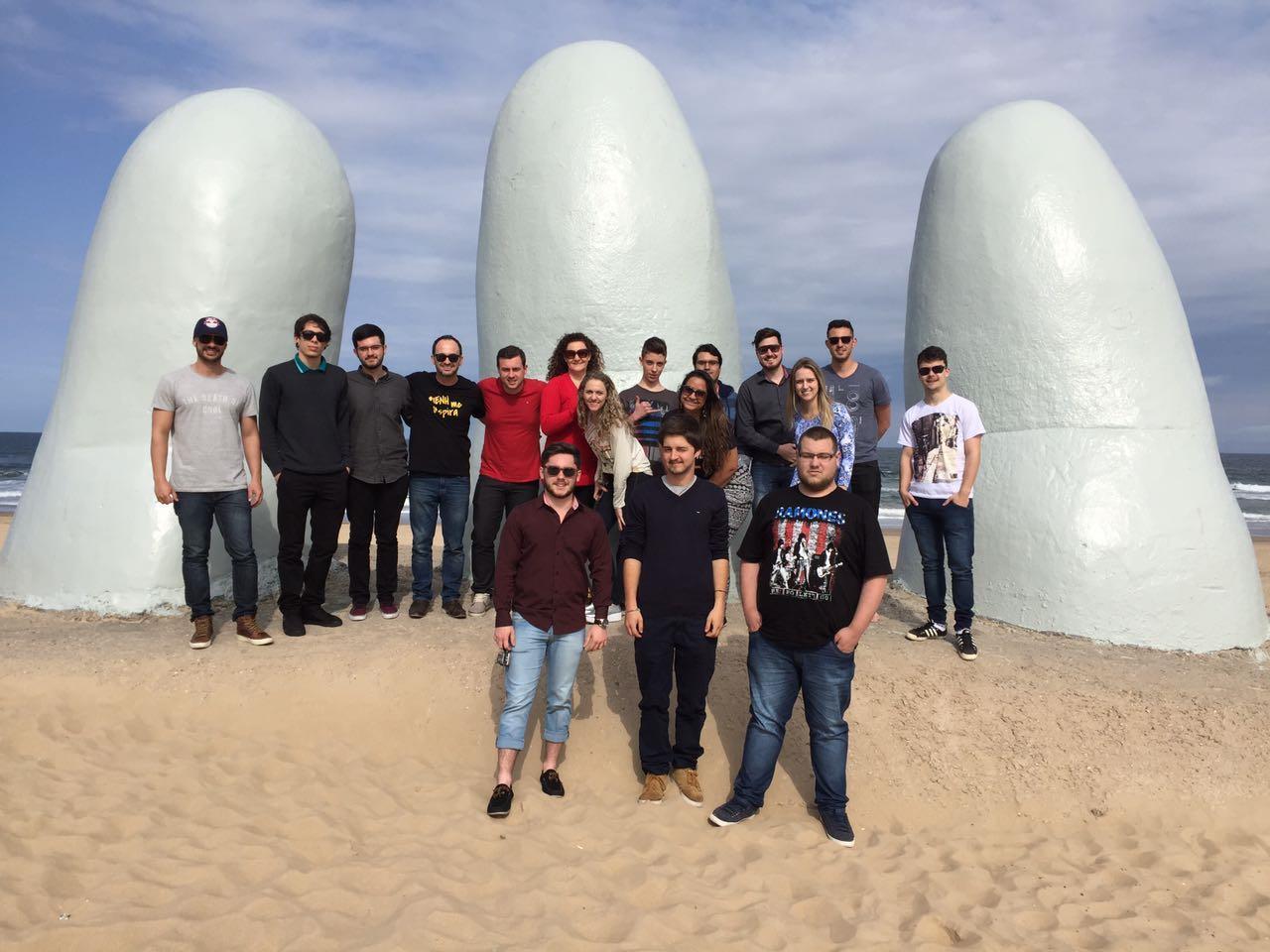 Alunos da IENH viajam para o Uruguai e participam de reunião na sede do Mercosul