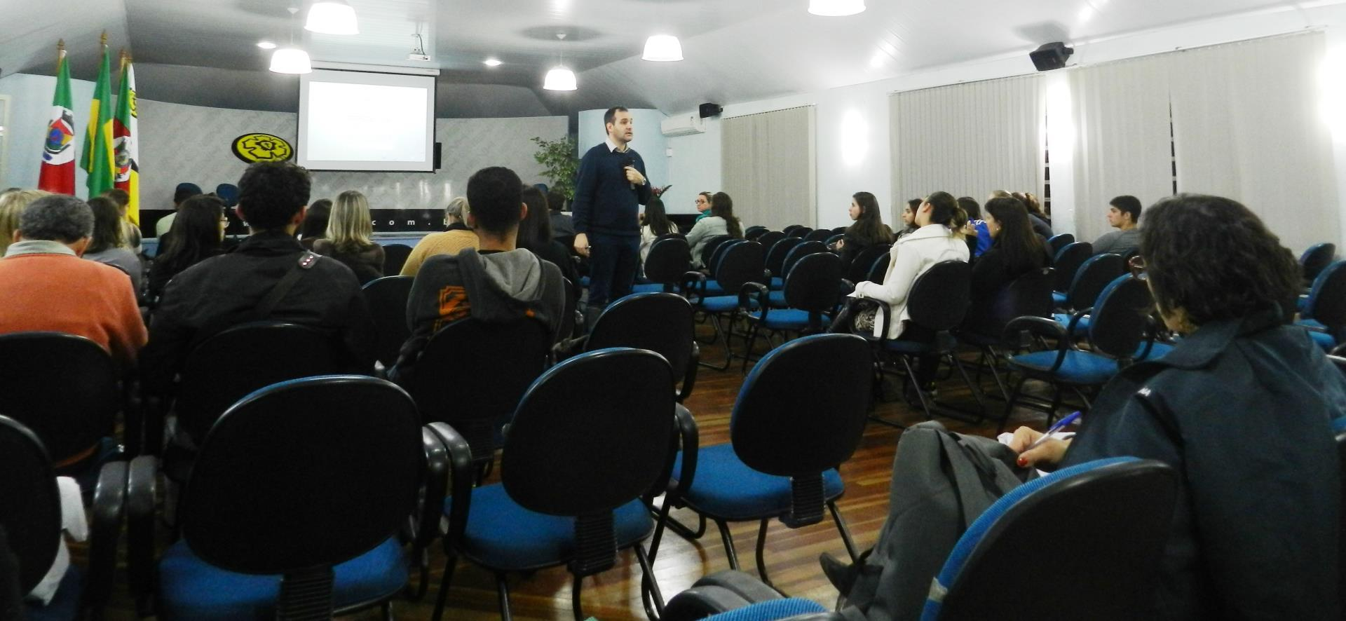 Aula gratuita sobre psico-oncologia acontece na Faculdade IENH
