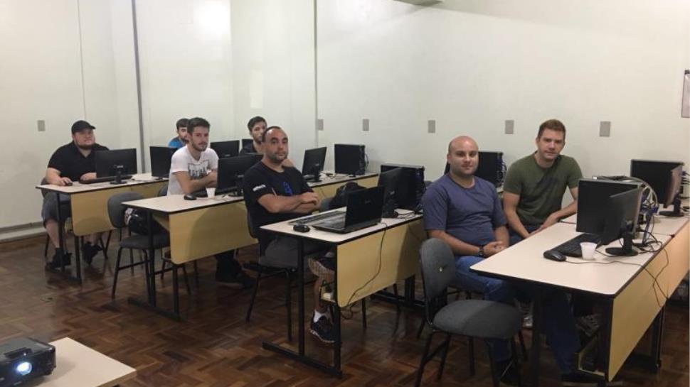 Aulas do Curso de Extensão em Linux iniciam na Faculdade IENH
