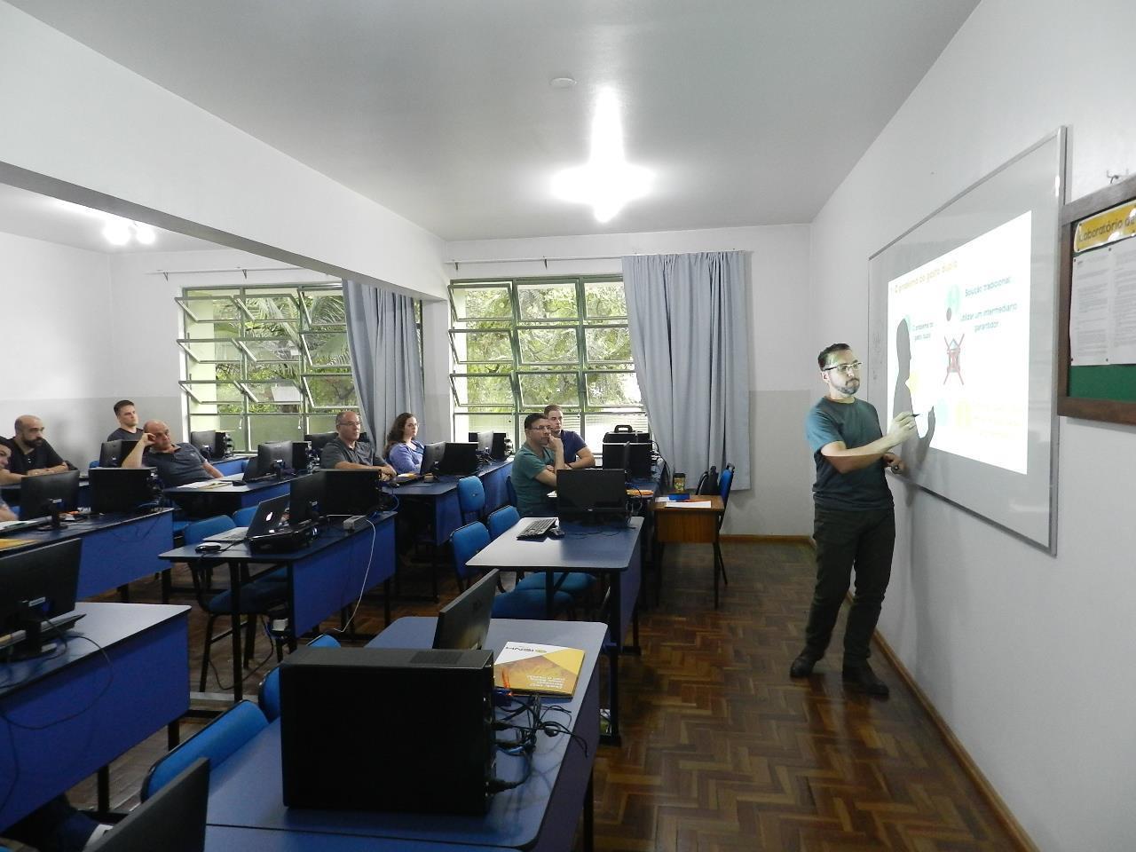Blockchain e Criptoeconomia é tema de curso de extensão na IENH