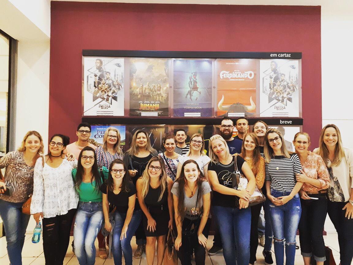 Cinema é sala de aula para acadêmicos de Psicologia da Faculdade IENH