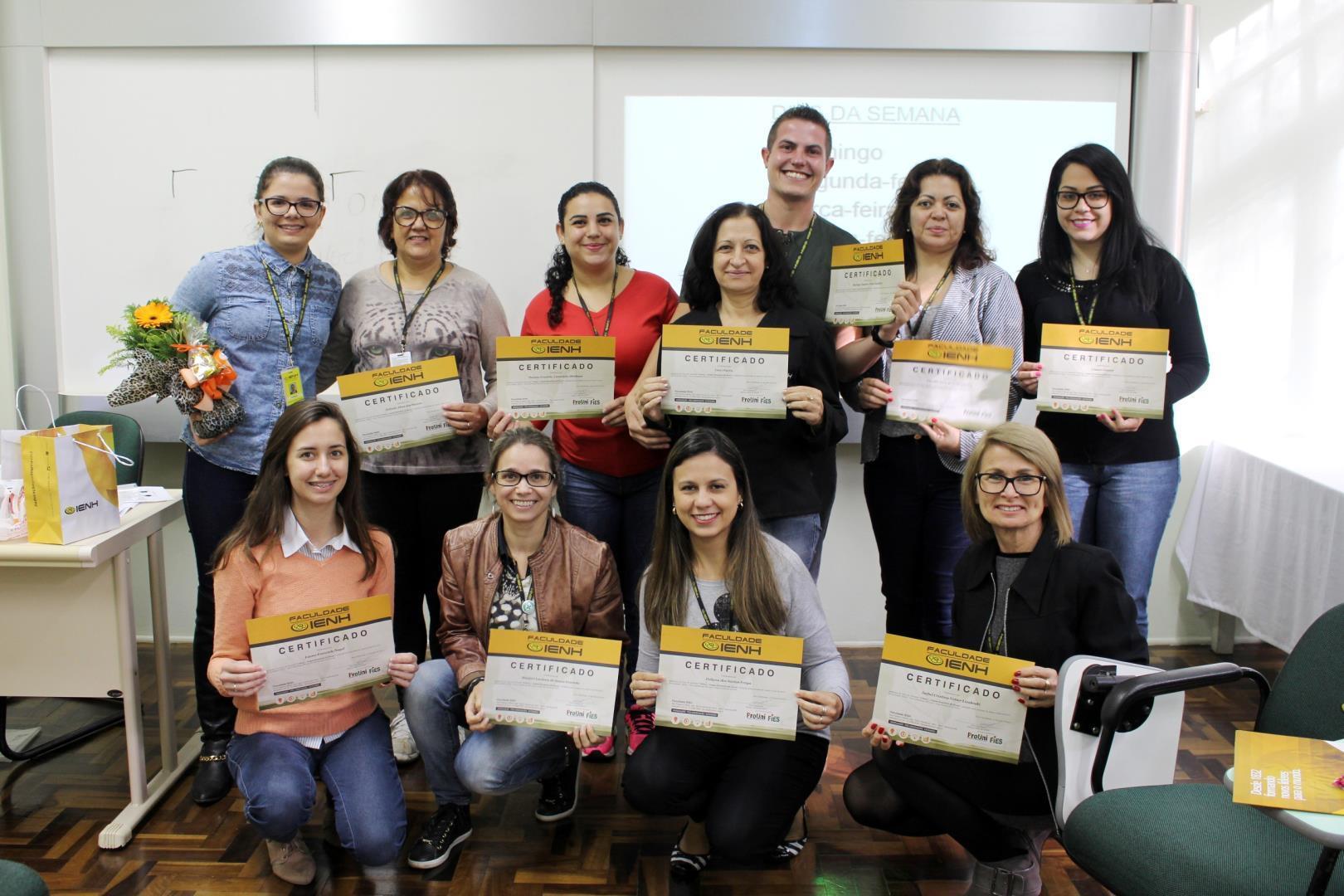 Colaboradores participam de Curso de Libras na IENH