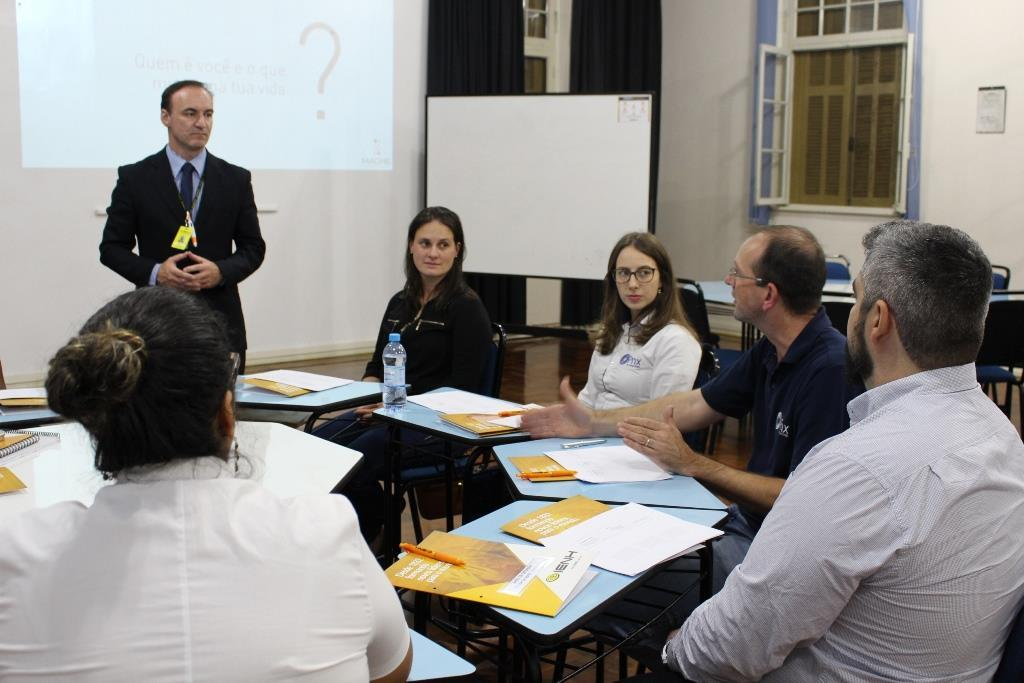 Curso sobre Coaching para líderes inicia na Faculdade IENH