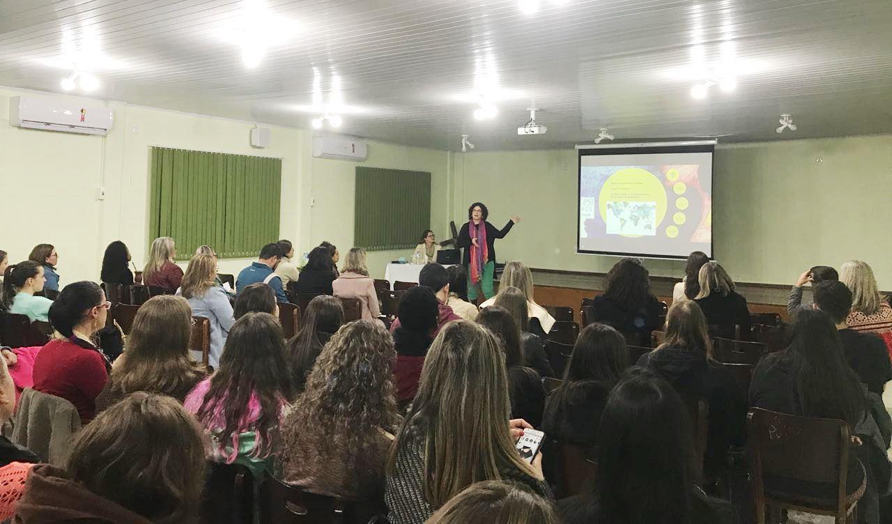 Dia do Psicólogo é comemorado com capacitações gratuitas na Faculdade IENH