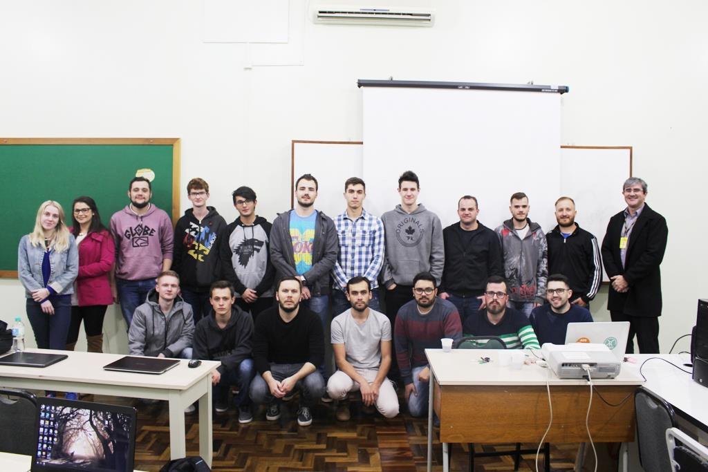 Faculdade IENH comemora o Dia do Analista de Sistemas