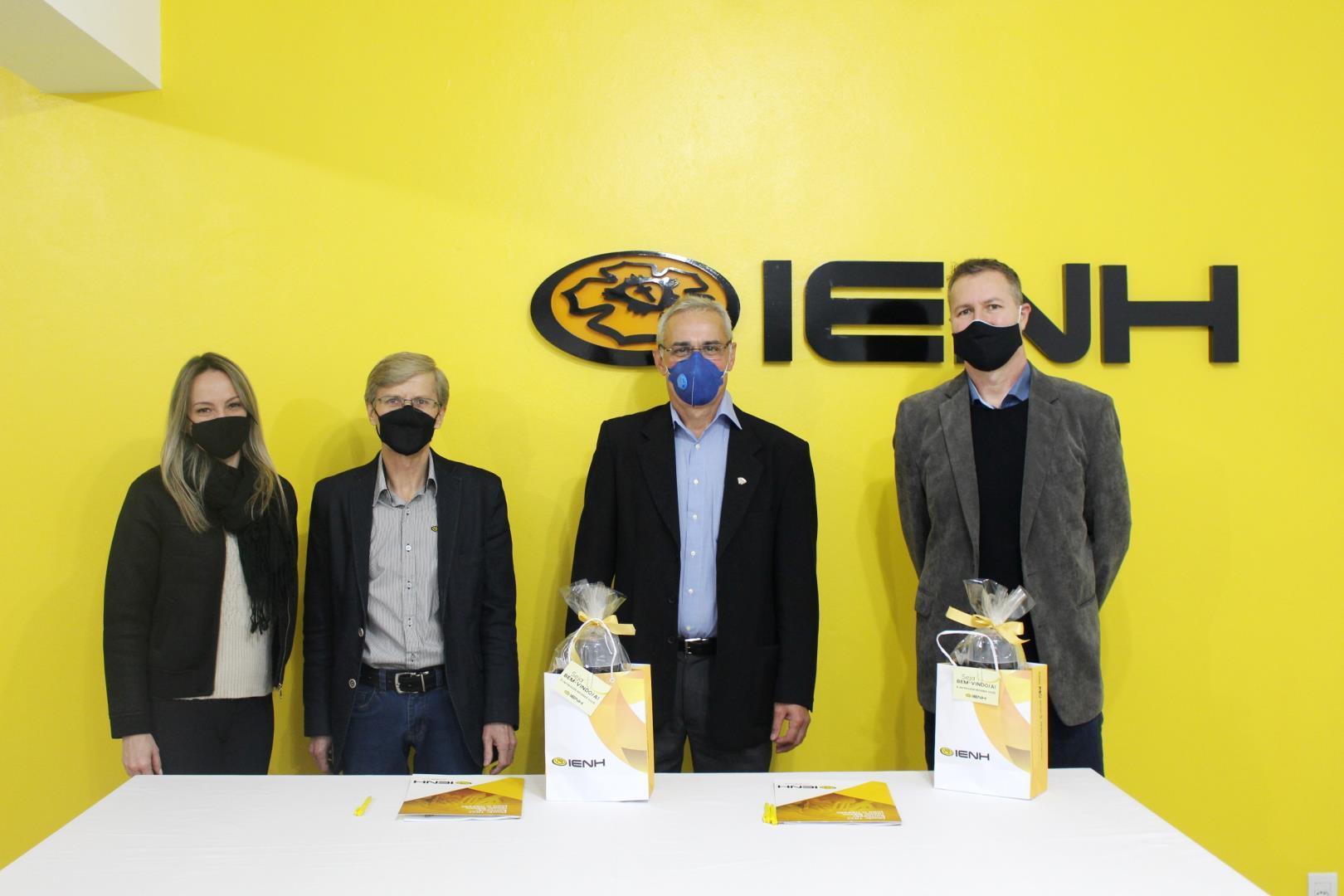 Faculdade IENH firma convênio de cooperação técnica com Faculdades EST