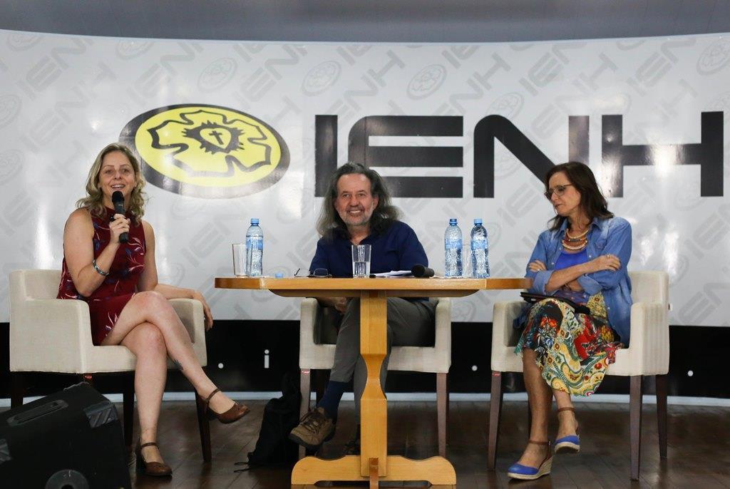 Faculdade IENH promove palestra sobre Cartografias do esgotamento
