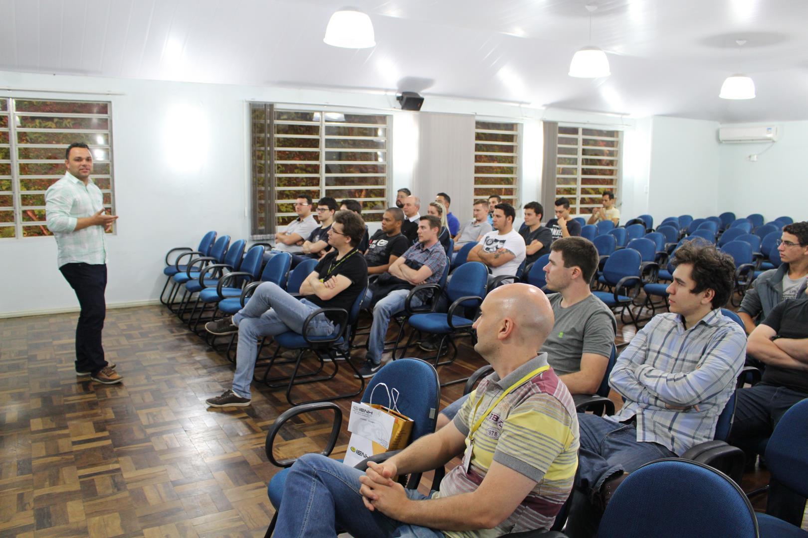 Faculdade IENH realiza palestra sobre Segurança Cibernética