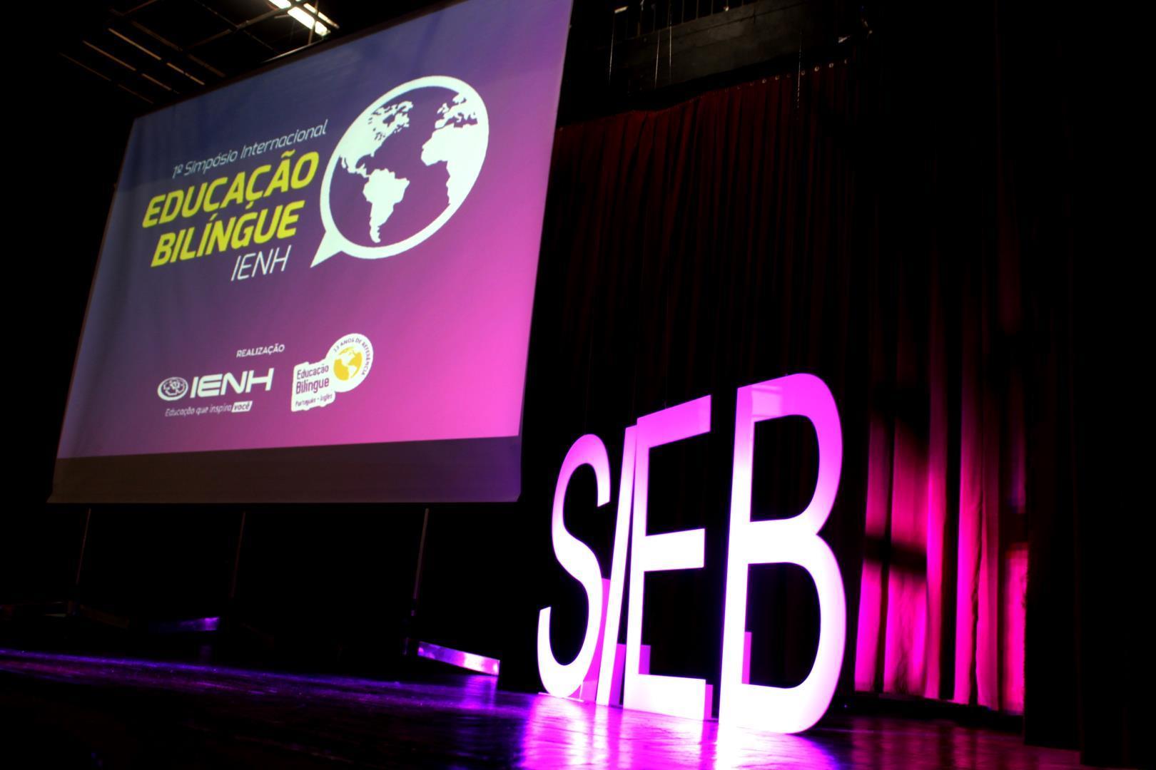 IENH realiza Simpósio Internacional de Educação Bilíngue