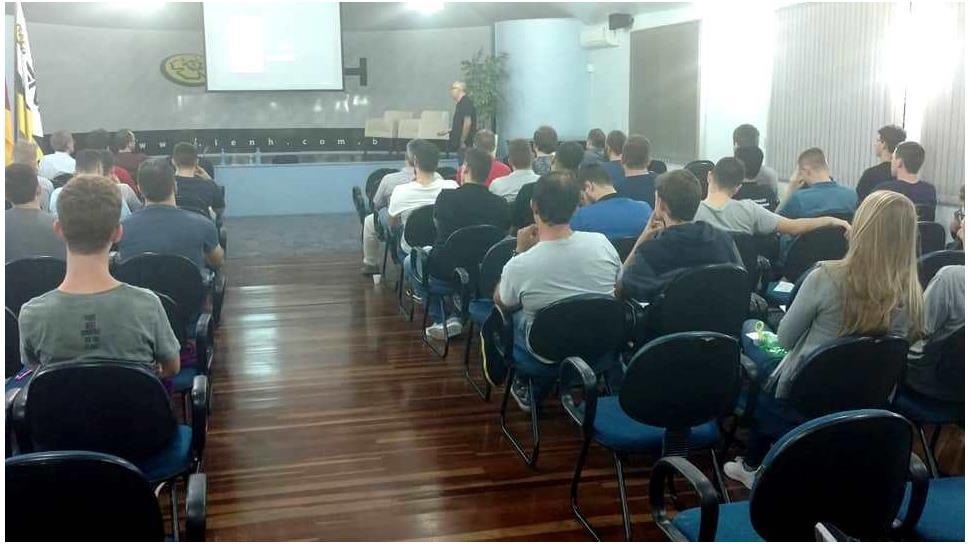 Inicia a Semana da Informática na Faculdade IENH
