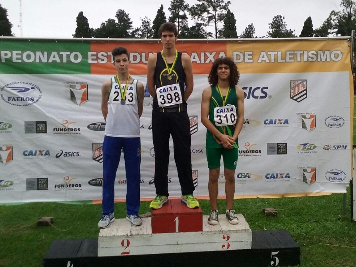 Atletismo da IENH é destaque no Campeonato Estadual Mirim
