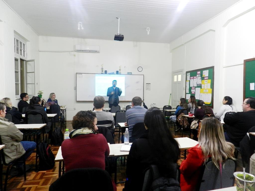 Perito Médico do INSS palestra para acadêmicos de Administração na Faculdade IENH