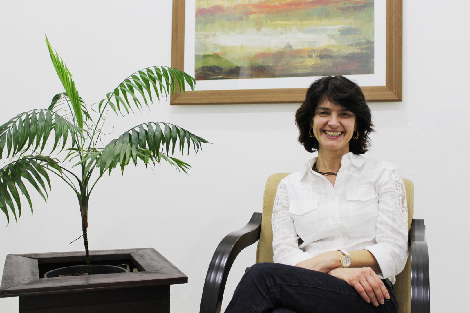 Pós-doutora em Neurociência ministra aulas na Pós-graduação em Educação Bilíngue e Cognição