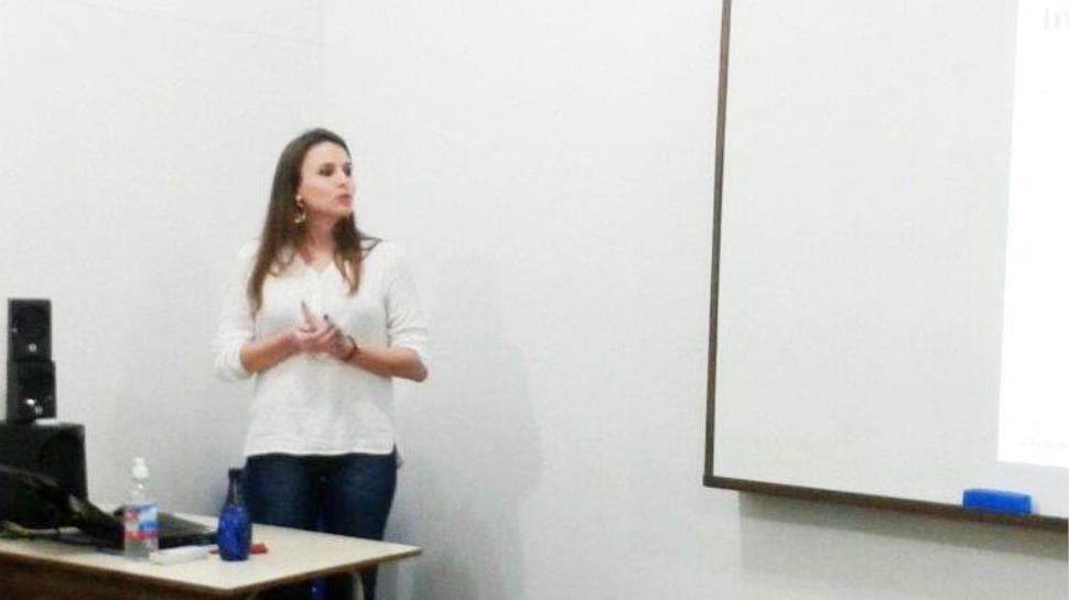 Pós-graduanda de Gestão de Projetos apresenta TCC para banca avaliadora
