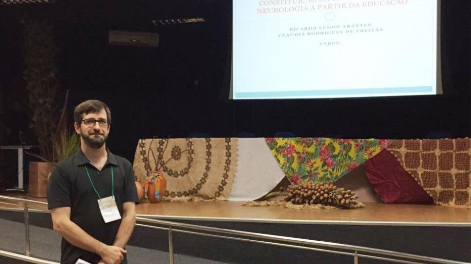 Professor da Faculdade IENH apresenta trabalho na 38ª Reunião Nacional da ANPED