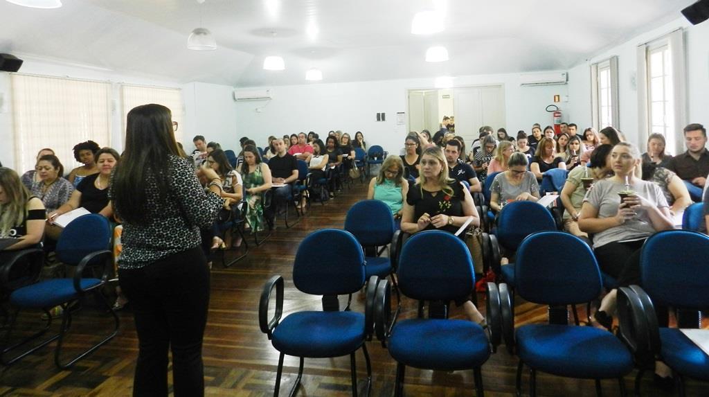 Resolução de conflitos no contexto escolar é tema curso organizado por acadêmicas da Faculdade IENH