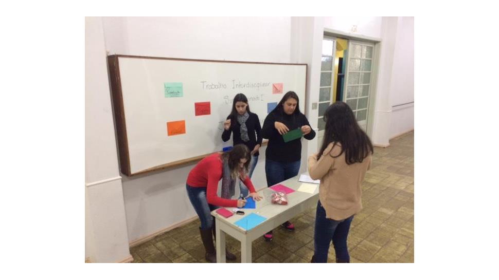 Resolução de problemas a partir da construção de jogos interdisciplinares na Faculdade IENH