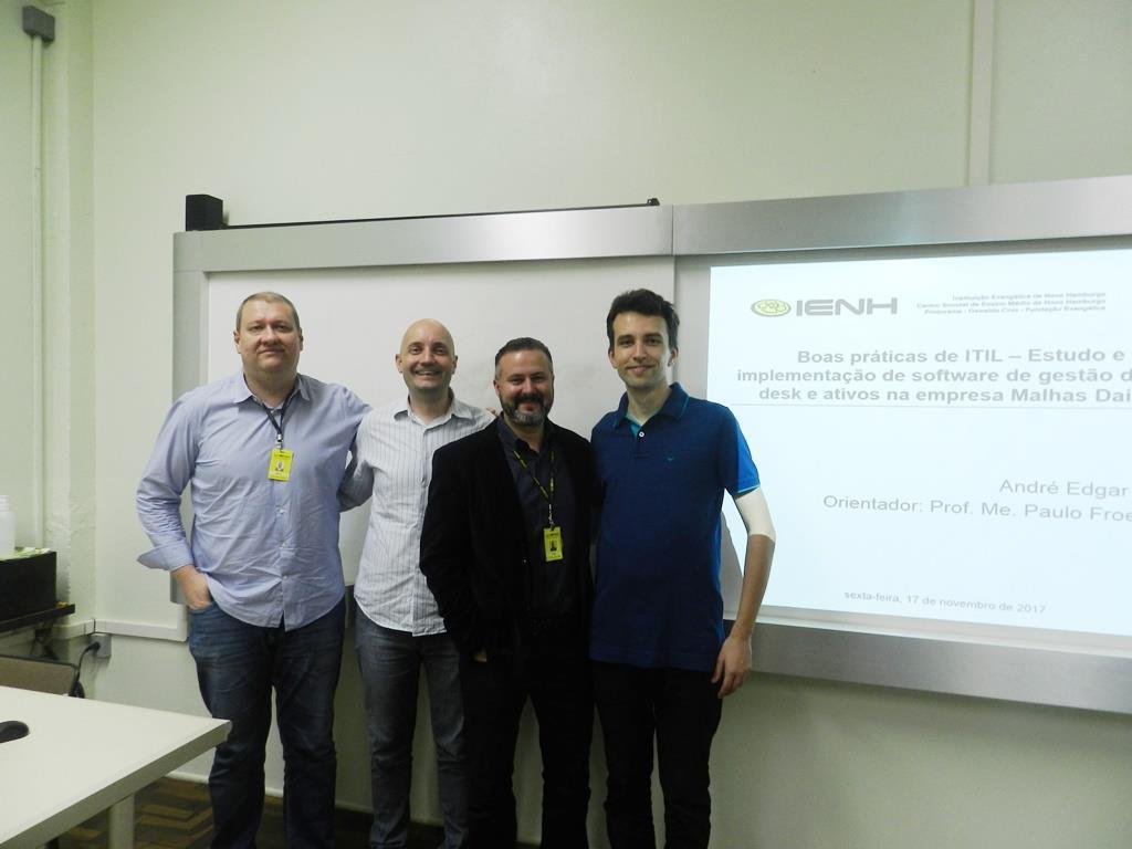 TCCs dos acadêmicos de Redes de Computadores são apresentados