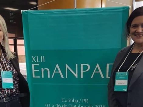 Egressa da Faculdade IENH apresenta o seu TCC no Encontro da ANPAD