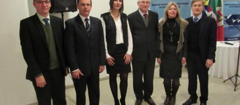 Representantes da IENH participam de evento do CRA-RS