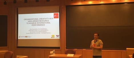 Professor da Faculdade IENH apresenta artigo sobre negócios internacionais na Argentina