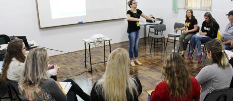 Segunda turma de colaboradores inicia Curso de Libras na Unidade Fundação Evangélica